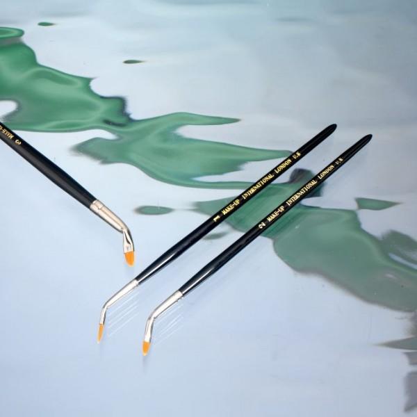 Make up International Angle Brush - Small 1