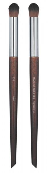 MAKE UP FOR EVER Precision Blender Brush - Large - 236