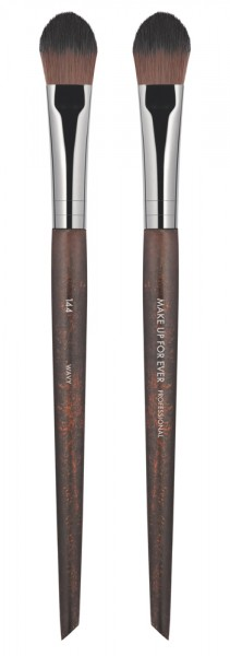 MAKE UP FOR EVER Precision Highlighter Brush - 144