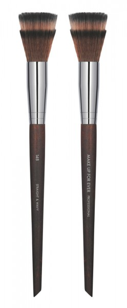 MAKE UP FOR EVER Blending Blush Brush - 148